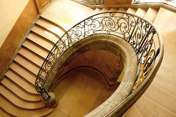 Abeille Nettoyage Menage De Vos Cages D Escaliers